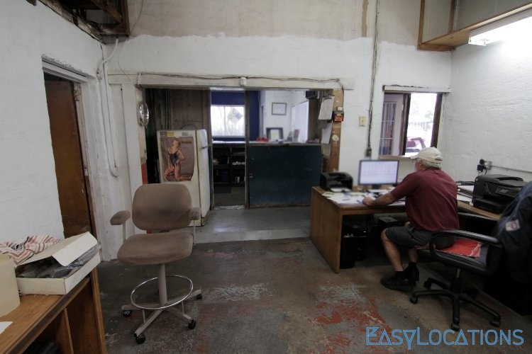 Auto Repair Shop With Office Spaces